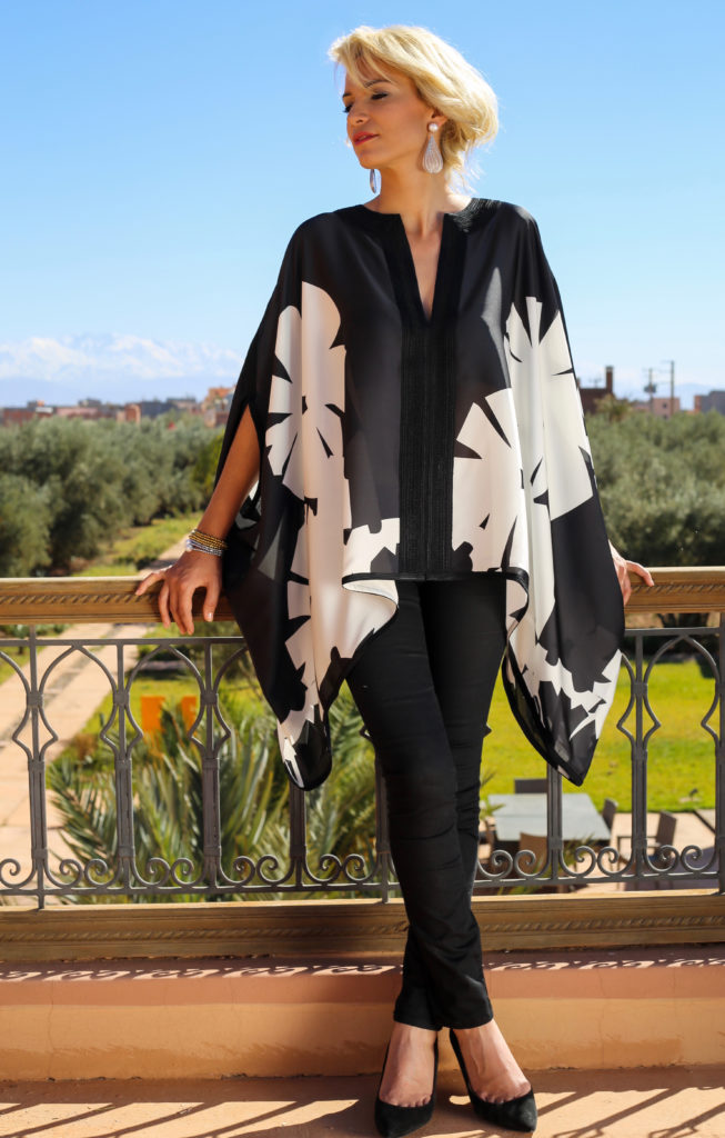 Silk shirt « miss » with Moroccan hand-made embroidery.