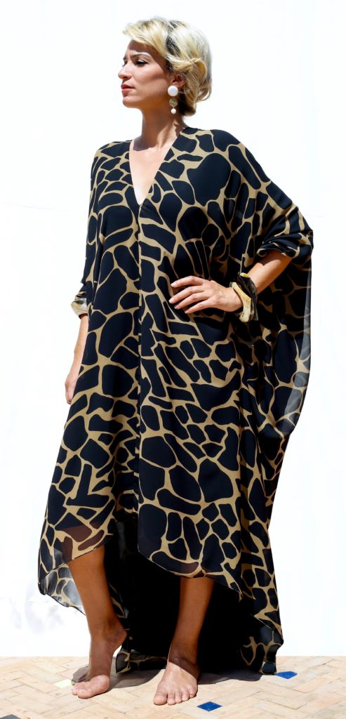 Silk muslin caftan with open shoulders. Silk charmeuse lining.
