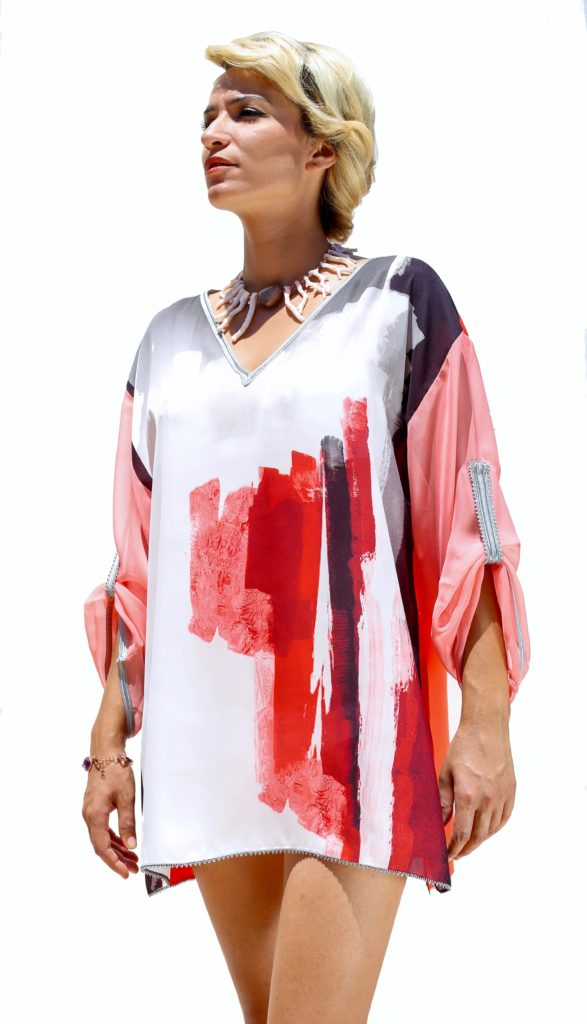 Silk and silk muslin tunic with Moroccan hand-made embroidery.